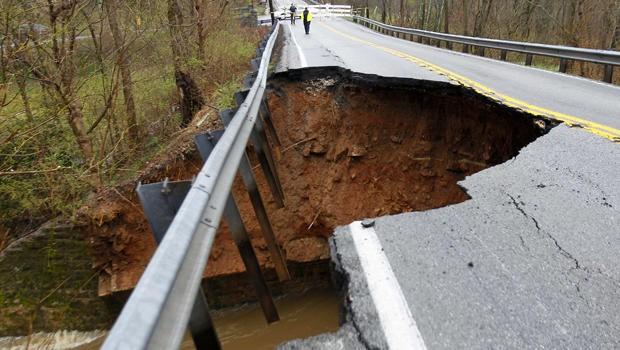 louisville-flooding-2015-04-03t182937z